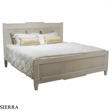 Riga Queen Wicker Bed